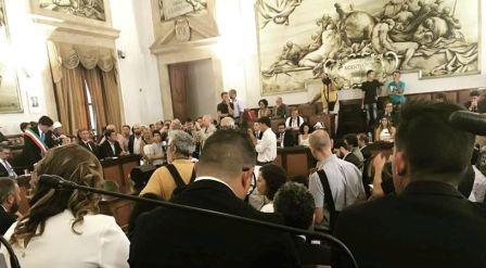 Consiglio comunale: venerdì seduta urgente al Teatro Massimo Bellini