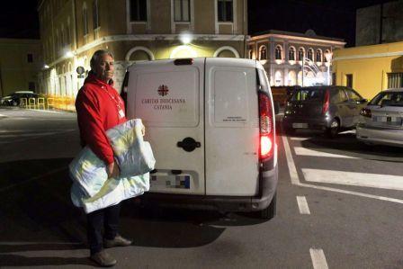 Coperte per i senzatetto. La richiesta della Caritas per i senza dimora