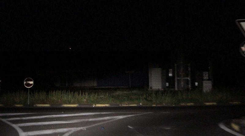 Buio totale: vie del IV municipio da anni senza illuminazione