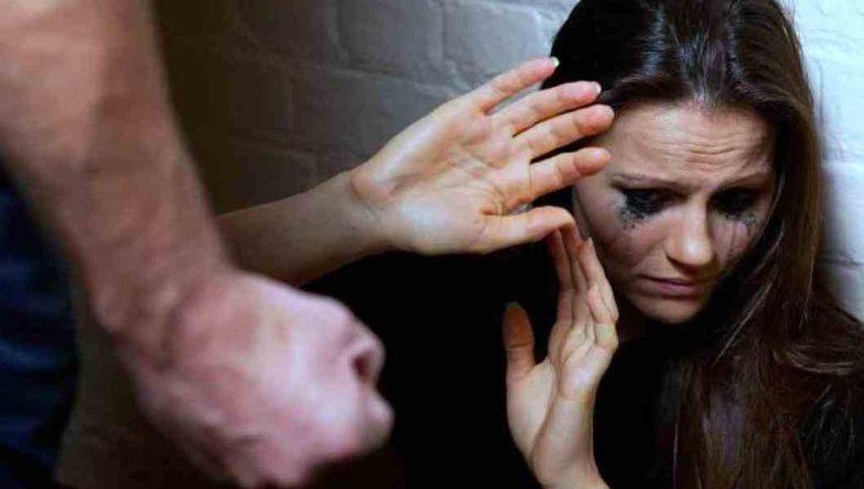Donna picchiata dal marito