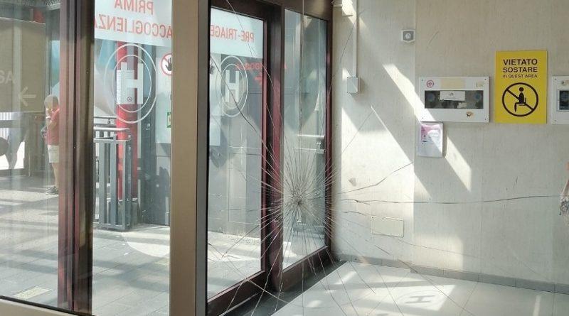 Rompe vetro pronto soccorso